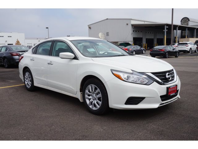 new 2017 nissan altima 2 5 s 2 5 s 4dr sedan in naperville 56213 gerald nissan of naperville. Black Bedroom Furniture Sets. Home Design Ideas