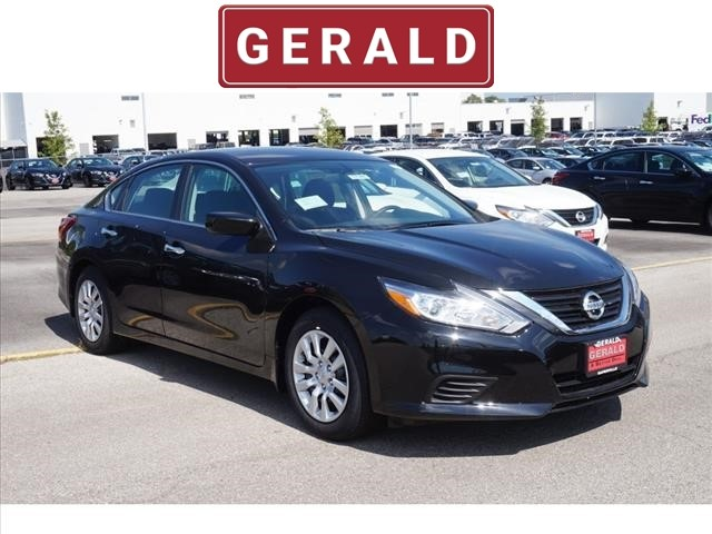 Nissan Altima 2.5 S >> New 2018 Nissan Altima 2 5 S Sedan 2 5 S 4dr Sedan In Naperville