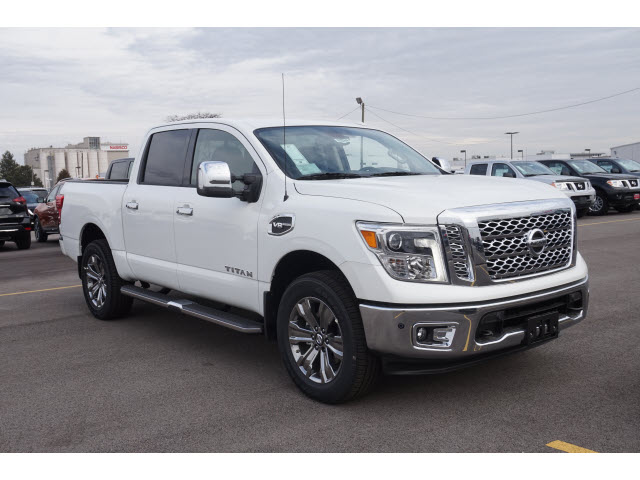 new 2017 nissan titan 4x4 crew cab sl 4x4 sl 4dr crew cab in naperville 56842 gerald nissan. Black Bedroom Furniture Sets. Home Design Ideas