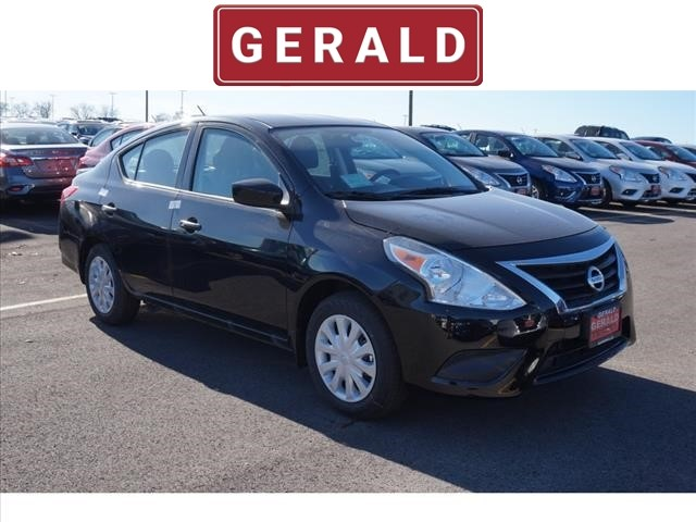 new 2018 nissan versa s plus cvt s plus 4dr sedan in naperville 56727 gerald nissan of naperville. Black Bedroom Furniture Sets. Home Design Ideas